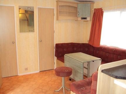 8 salon + entrée 2 petites chambres 430